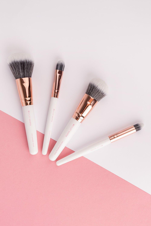 Image of Set di pennelli Brushworks da viaggio bianco e oro, Bianco