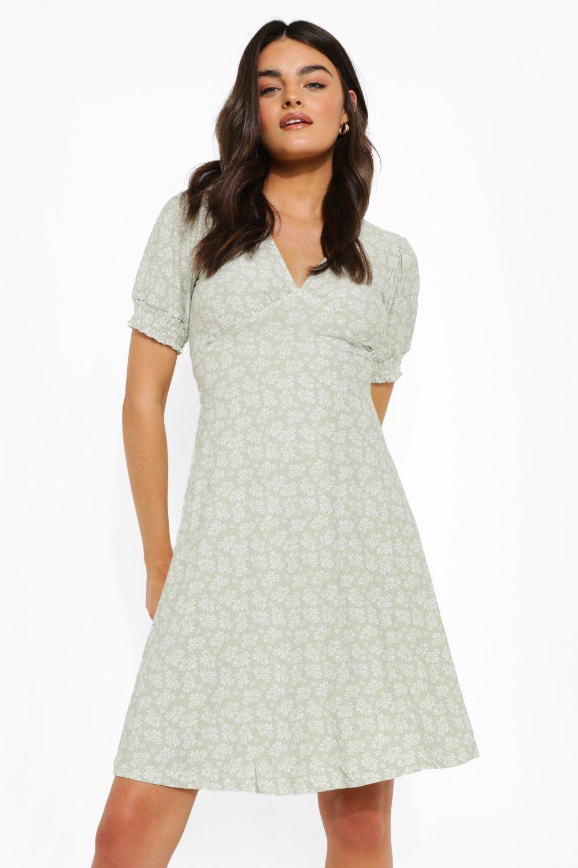 70s Dresses – Disco Dress, Hippie Dress, Wrap Dress Womens Floral Print V Neck Skater Dress - Green - 12 $14.40 AT vintagedancer.com