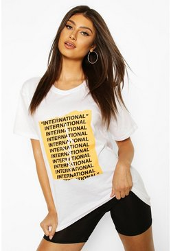 "White ""International"" T-shirt med slogan"