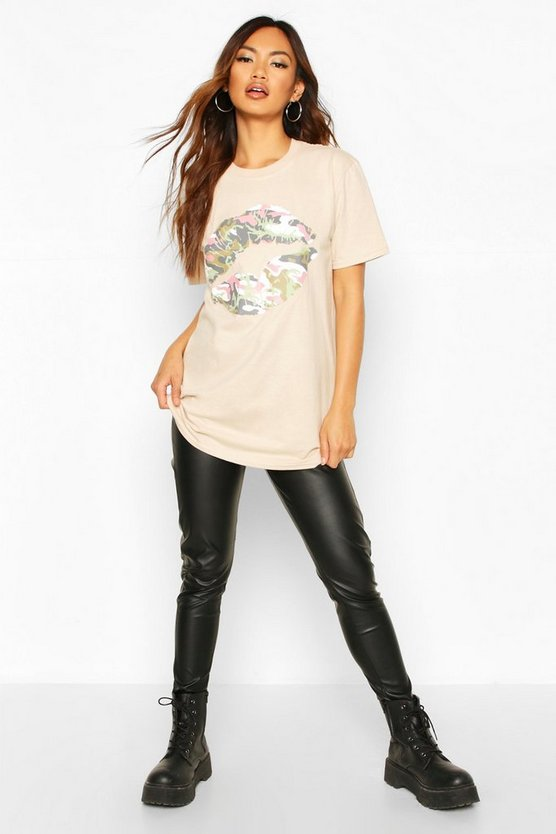 Camo Lip Print T-Shirt