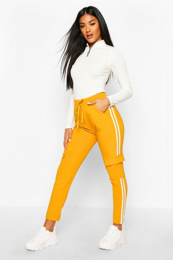 Cargo Pant With Side Stripe And Pocket