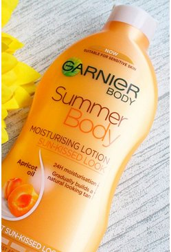 Womens Tan Garnier Summer Body Light Gradual Moisturiser 400ml