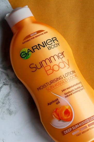 Womens Tan Garnier Summer Body Dark Gradual Moisturiser 400ml