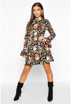 Womens Black Floral Print Flared Sleeve Skater Dress