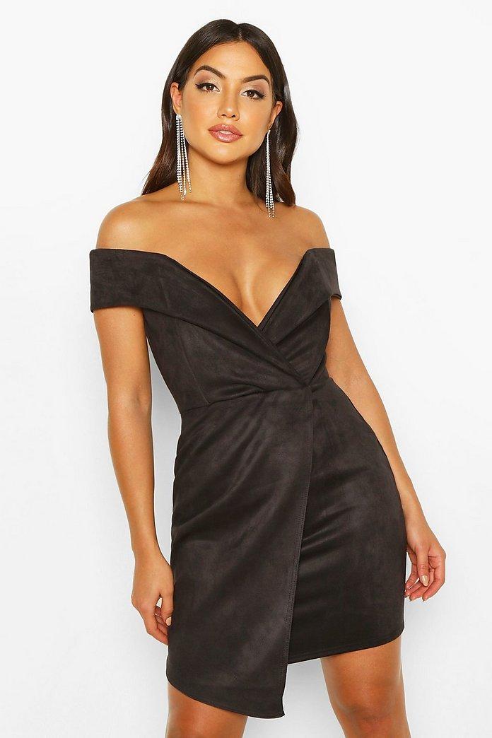 Kort one shoulder klänning med slits   boohoo
