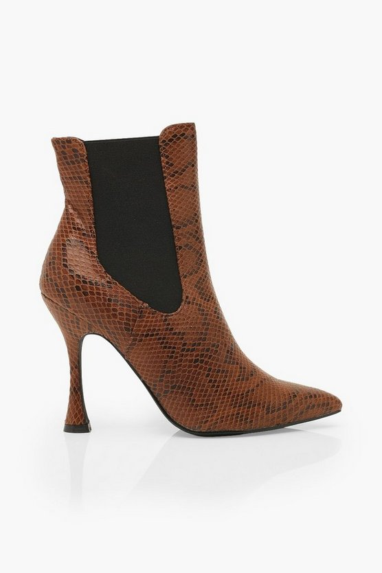 Snake Interest Heel Pointed Toe Chelsea Boots