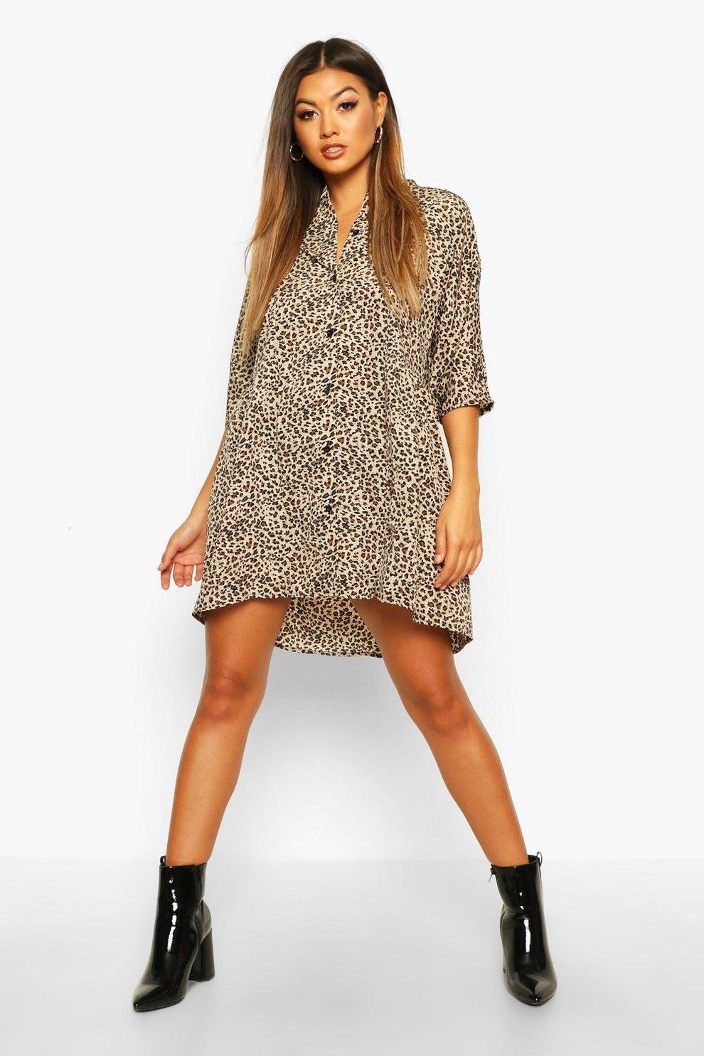 Vestido estilo blusón con manga tres cuartos y botones de leopardo