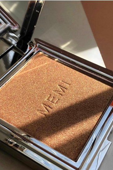 Womens Pink Memi Radiance Highlighter Powder - Euphoria