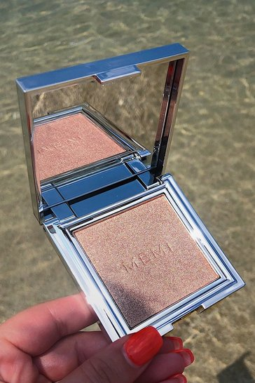 Womens Pink Memi Radiance Highlighter Powder - Glow Up