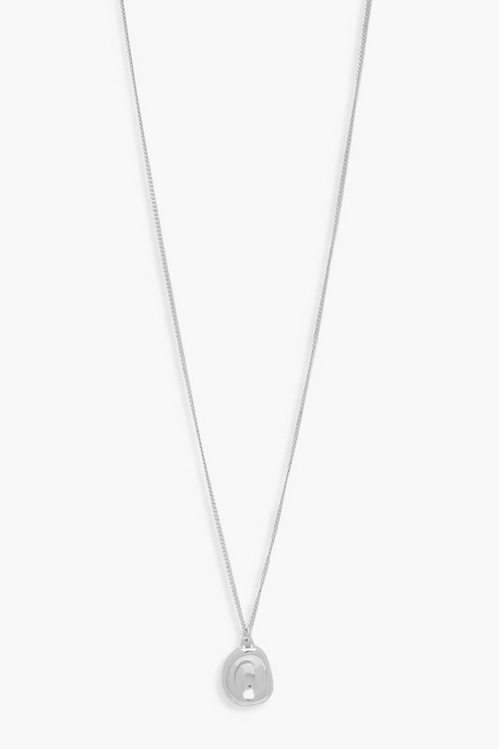 Hammered Pendant Necklace by Boohoo