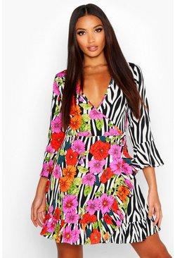 89f41cab249d30 Web-Sommerkleid mit Blumen- und Zebramuster und Rüschen