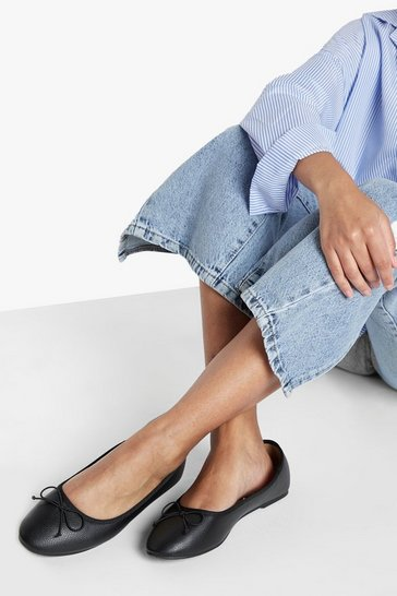 Womens Black Round Toe Ballet Flats