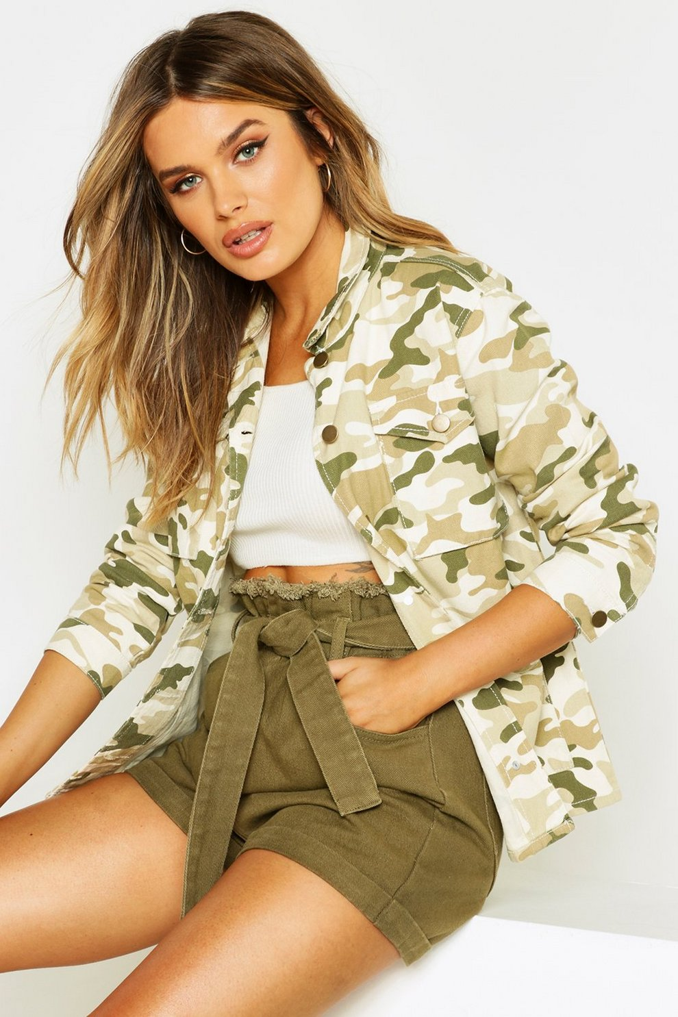wholesale dealer e1567 fdf9c Jeansjacke mit Washed-Camouflage-Muster | Boohoo