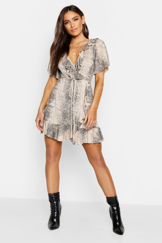 Rabatt bis zu 60% noch nicht vulgär viele Stile Gerüschtes Wickel-Sommerkleid mit Schlangen-Print | Boohoo