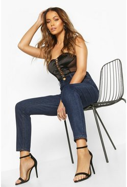f479372bf387 Jeans estilo mom de talle alto con cintura alta