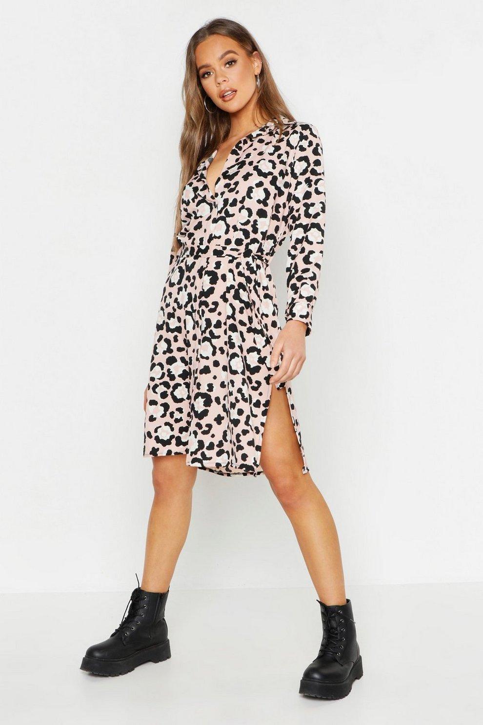 e87c453405 Vestido camisero largo tejido con cinturón anudado y estampado de leopardo