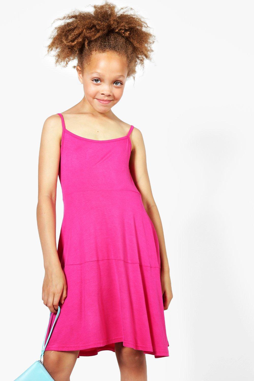 vestido de tirantes con vuelo y capas de color liso para niña   Boohoo