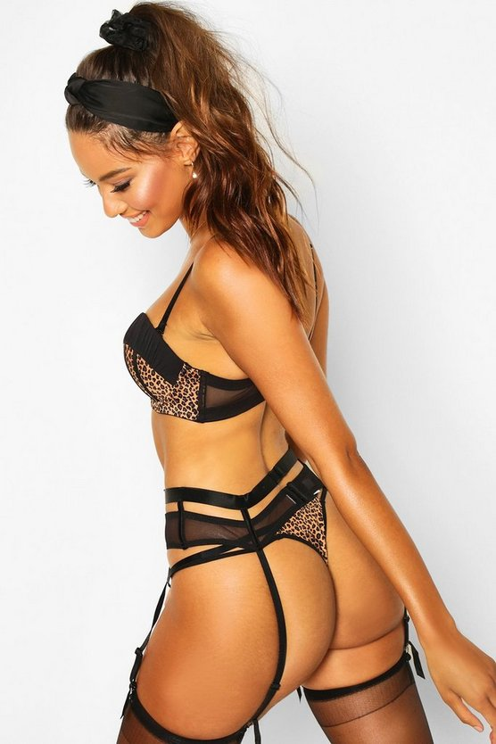 Leopard Strapping Suspender Belt