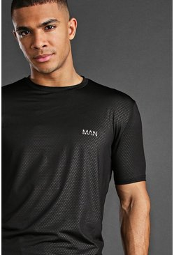 Man Active Fabric Interest T-Shirt, Black