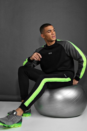 Black MAN Active Loose Fit Contrast Detailing Tracksuit