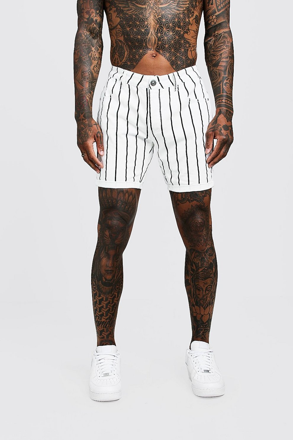 oferta online aquí más nuevo mejor calificado Pantalones cortos ajustados en denim con estampado a rayas