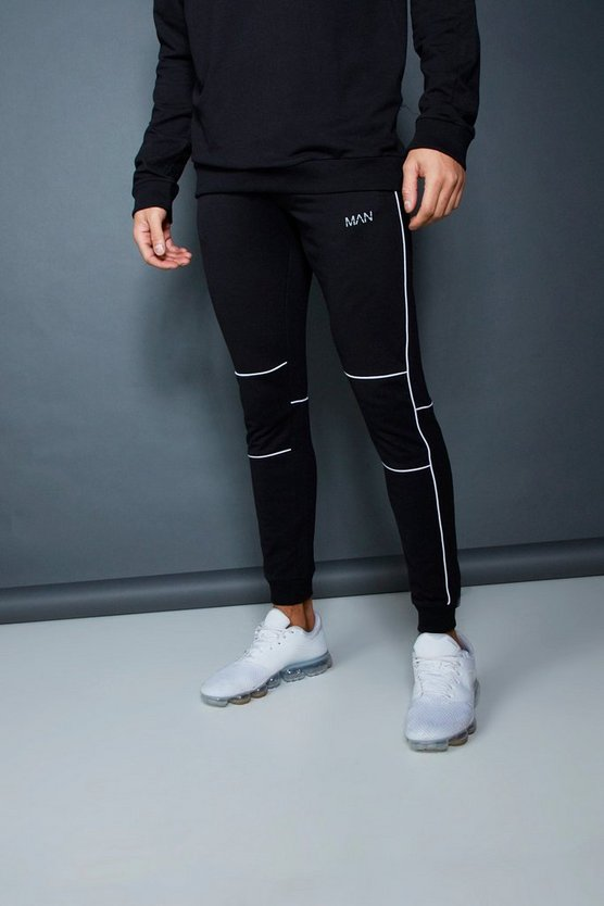 Black Muscle Fit Jogger With Piping Detail