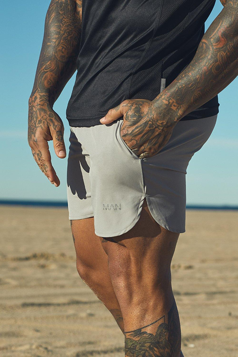 Active Gym Runner Shorts With Reflective Piping