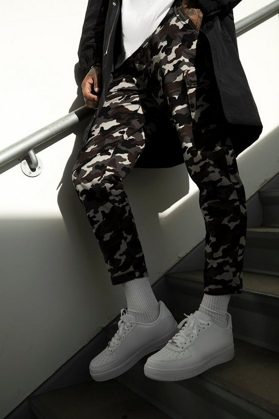 Tapered Fit Camo Cargo Trouser