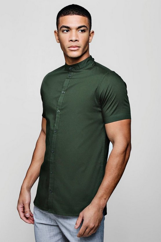 Muscle Fit Grandad Collar Short Sleeve Shirt