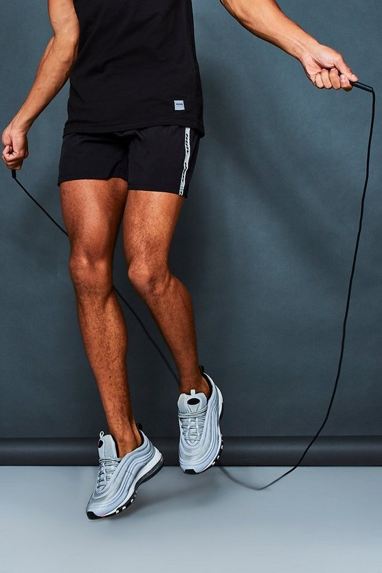 MAN Active Gym Runner Shorts With Side Tape