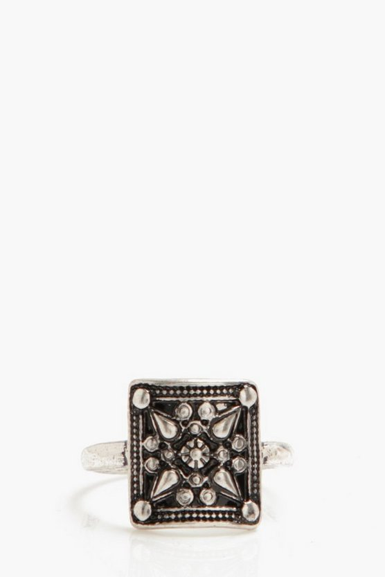 Cut Out Detail Ring