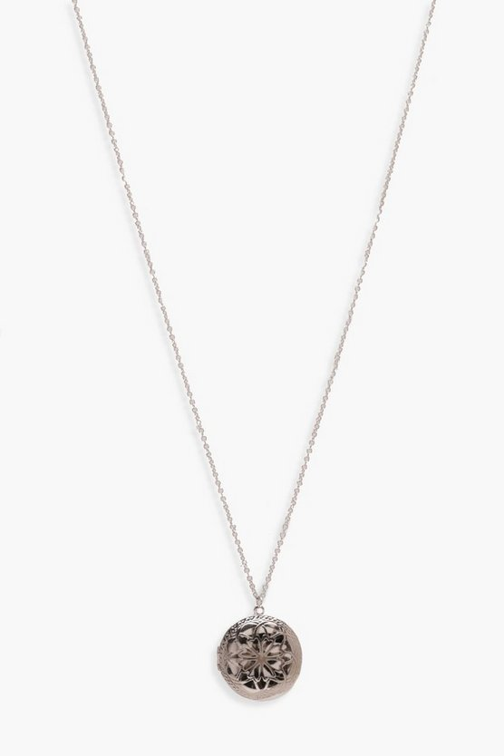 Single Coin Pendant Necklace