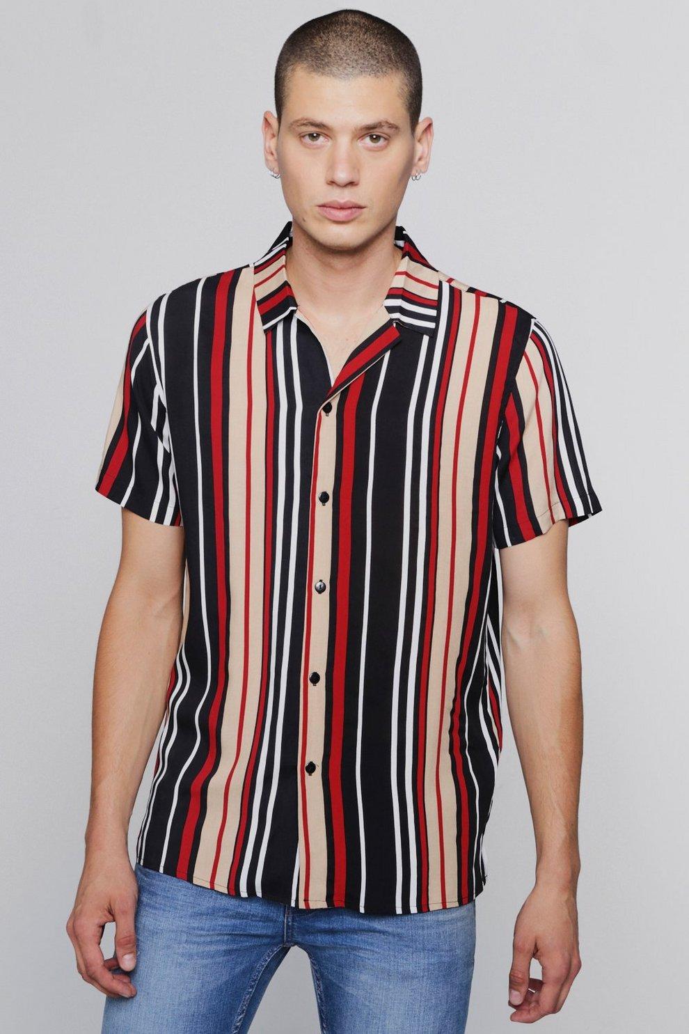 8b4103916a Camisa con cuello de solapa y manga corta a rayas rojas