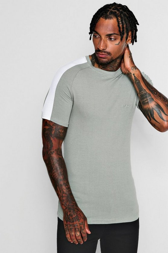 MAN Signature Muscle Fit T-Shirt With Contrast