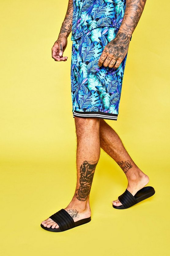 Crepe Palm Print Mid Length Short