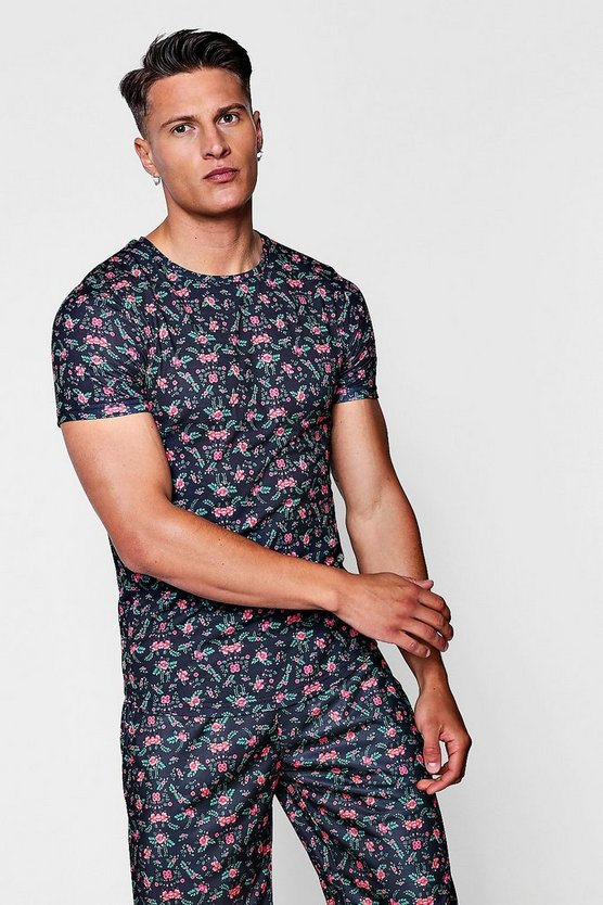 Ditsy Print Muscle Fit Curved Hem T-Shirt