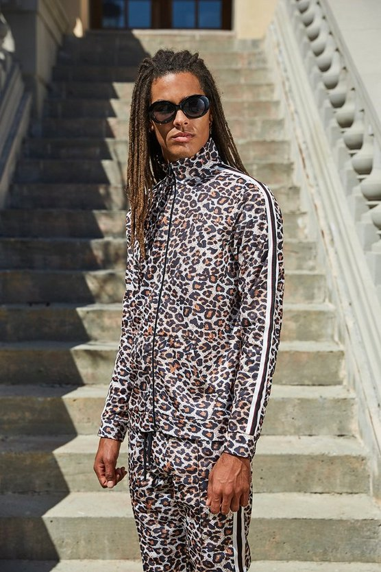 French Top ajustado con cuello alzado de estampado de leopardo