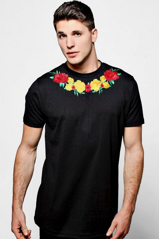 Black Crew Neck T-Shirt With Rose Embroidery