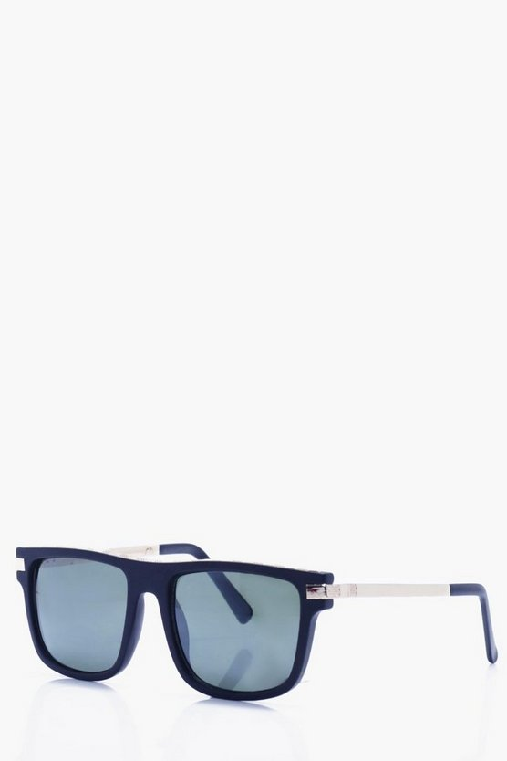 Gold Trim Wayfarer Sunglasses
