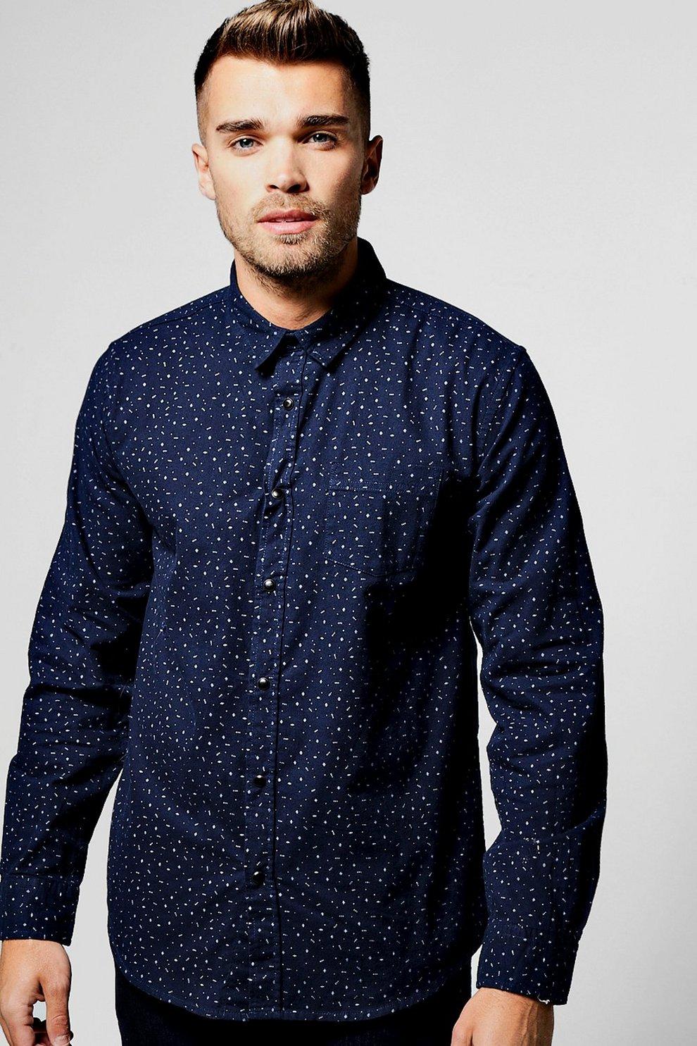 ad53d020e7 camisa azul marino con manga larga y estampado de florecillas | Boohoo