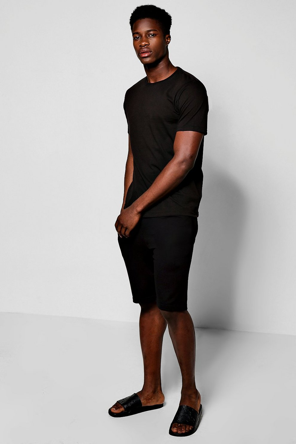 2 Pack Jersey Shorts And Basic T-Shirt