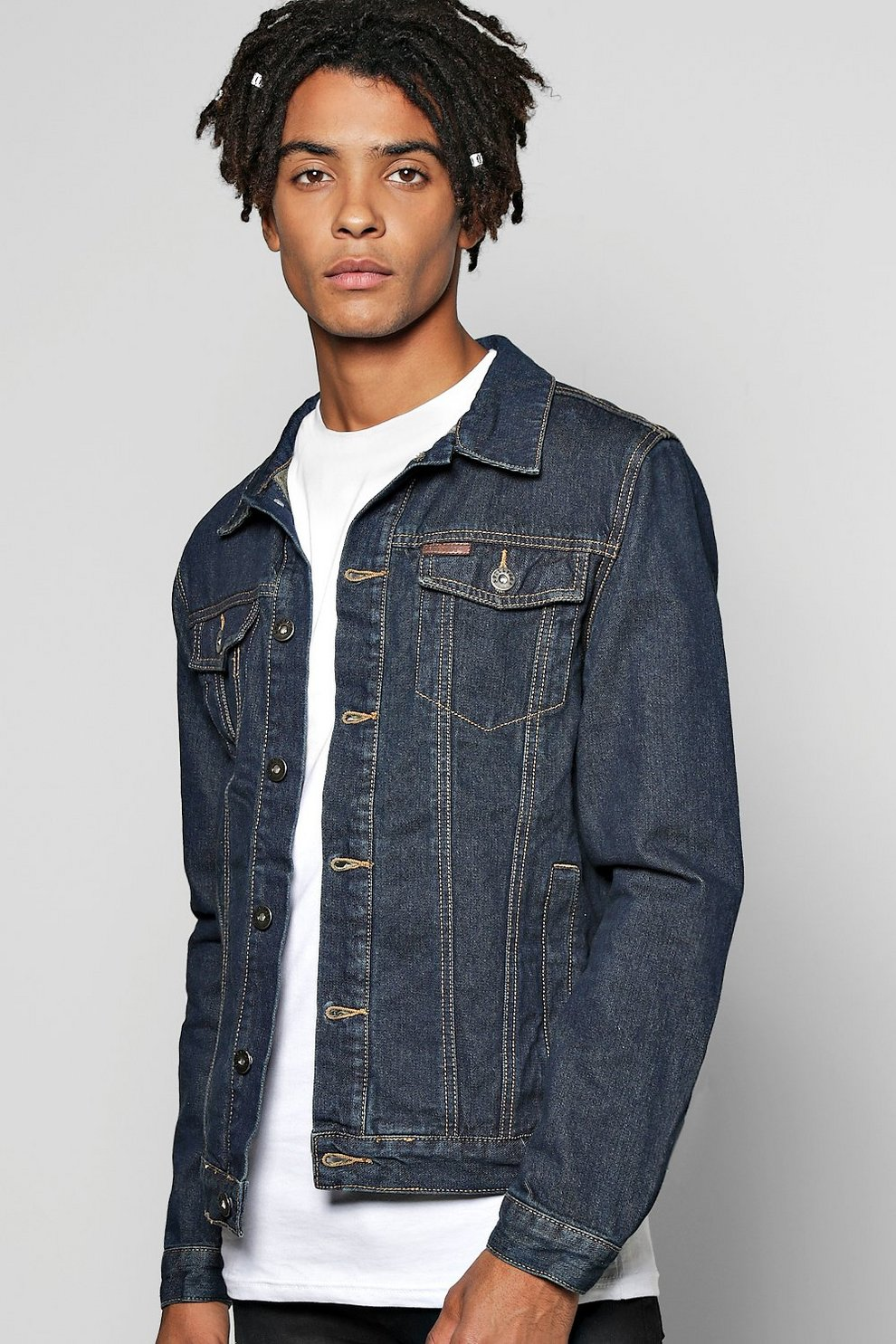 b40bd0684f27b veste en jean boutonnée à délavage sombre   Boohoo