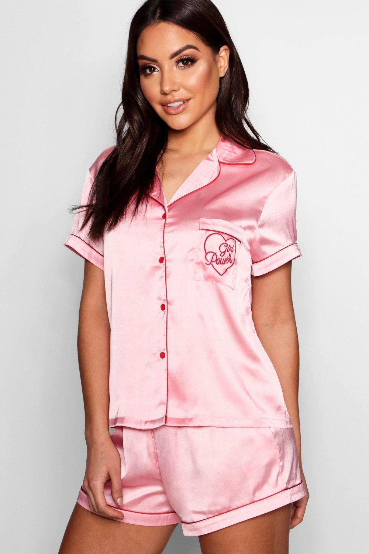 boohoo 'Girl Power' Атласные шорты с вышивкой thumbnail