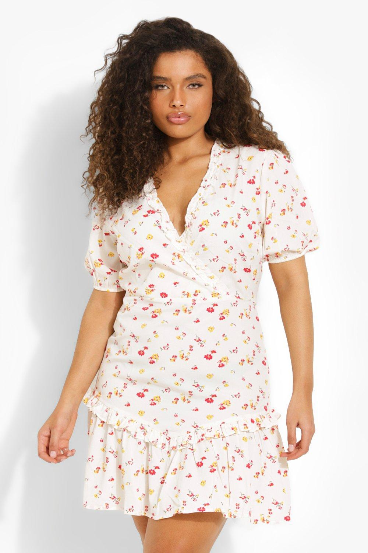 Cottagecore Clothing, Soft Aesthetic Womens Plus Floral Print Ruffle Mini Dress - Cream - 16 $14.40 AT vintagedancer.com