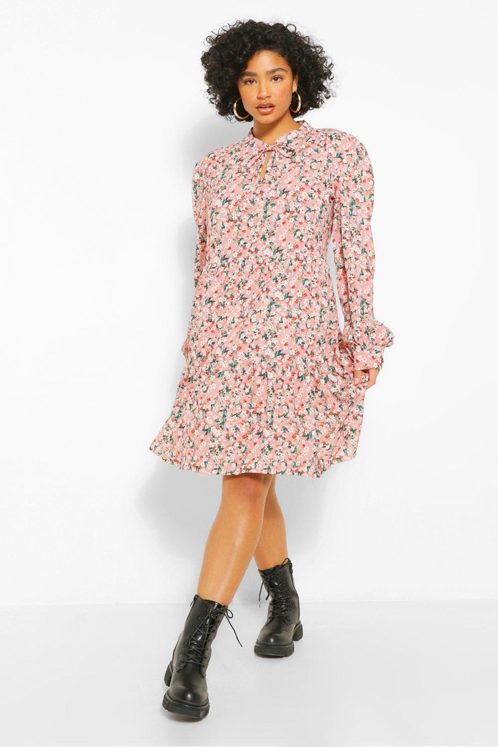 Cottagecore Clothing, Soft Aesthetic Womens Plus Ditsy Floral Tiered Smock Dress - Pink - 16 $15.00 AT vintagedancer.com