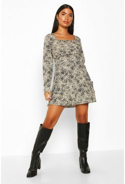 Womens Stone Petite Woven Animal Print Square Neck Shift Dress