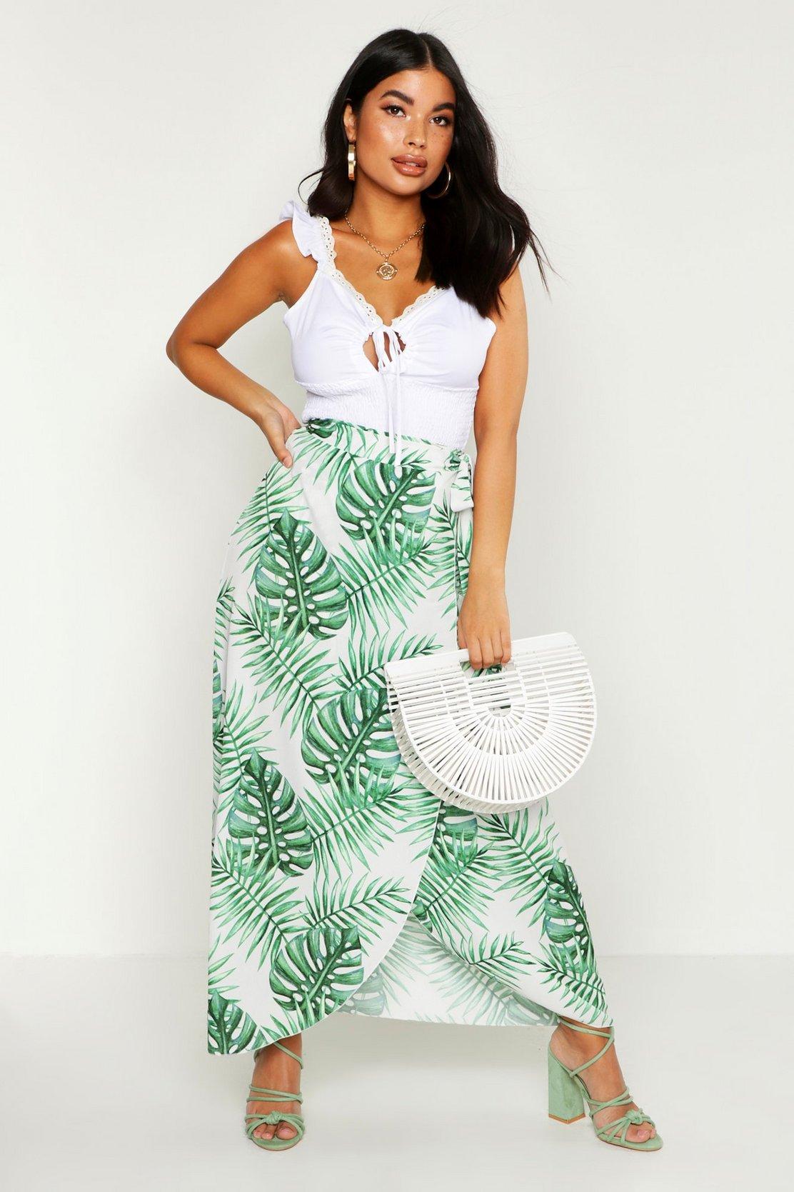 Petite Palm Print Woven Maxi Skirt by Boohoo