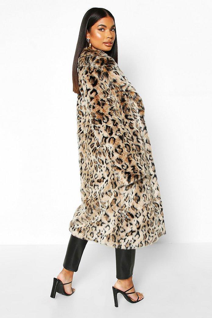Petite Longline Mantel aus Fake Fur mit Leopardenmuster | Boohoo