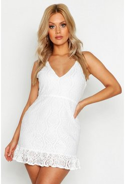 Womens Cream Plus Lace Plunge Ruffle Hem Mini Dress