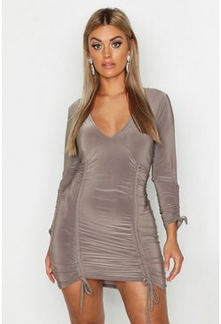 Womens Mocha Plus Ruched Detail Plunge Bodycon Dress